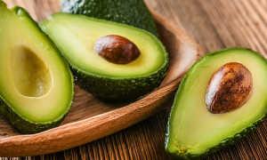 Авокадо — фрукт или овощ, польза и вред, как есть правильно