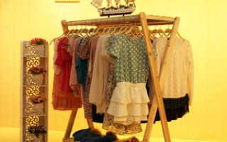 Вешалка напольная для одежды своими руками: разновидности изделия, их достоинства и недостатки